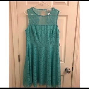 NWT Kensie Turquoise/Teal Lace Keyhole Bac…